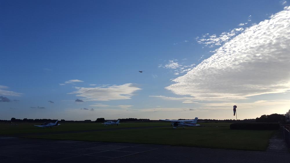 Hogerop bij Vliegveld Midden Zeeland